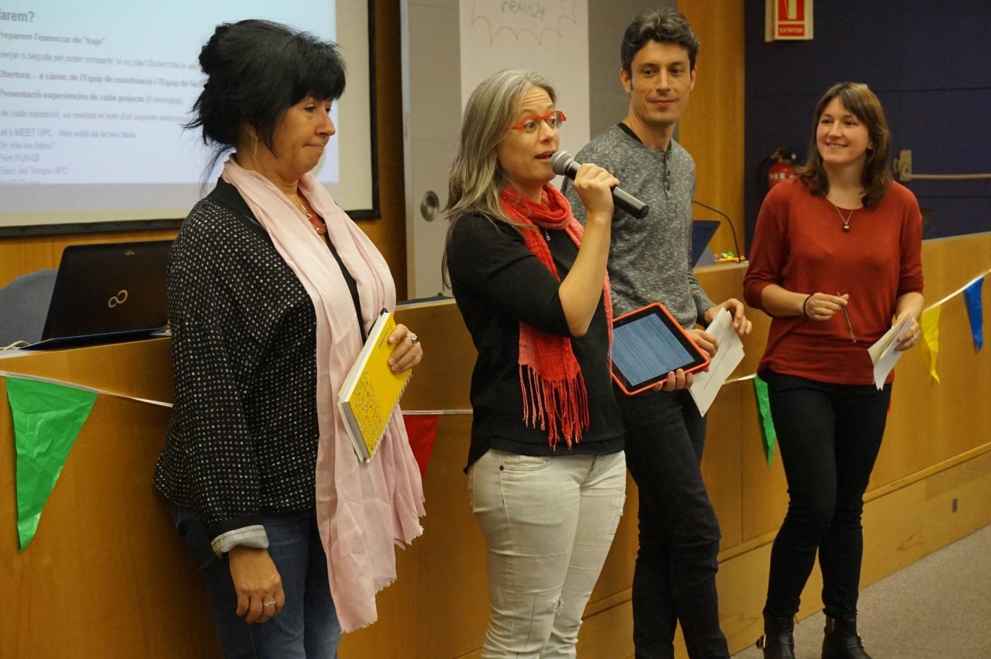 Angels, Maria, Oscar i Bea parlant